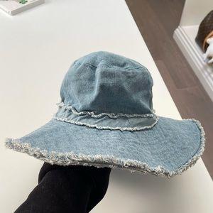 Zara jean hat
